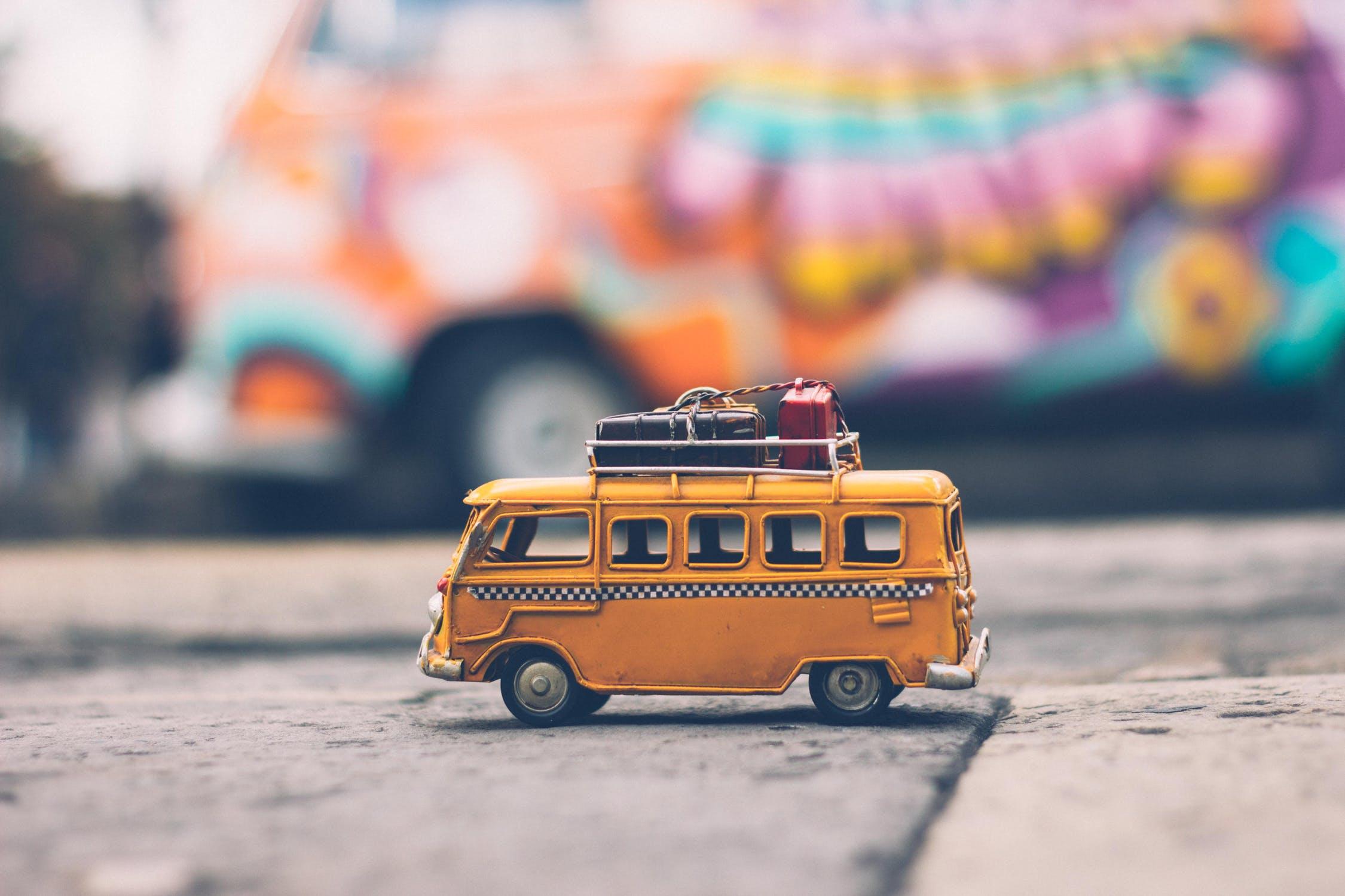 gul-buss-på-RME